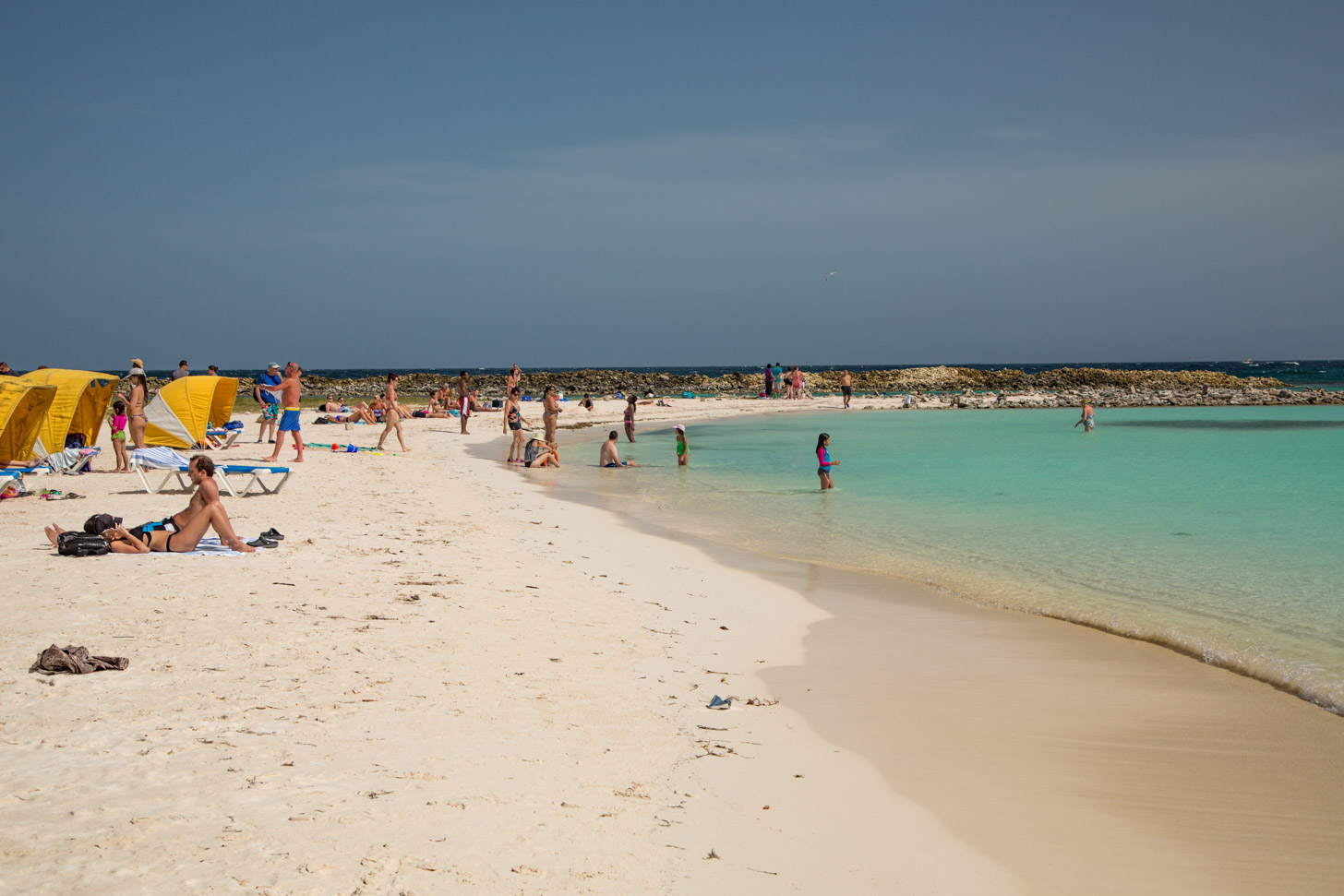 Baby Beach behoort tot de beste stranden van Aruba