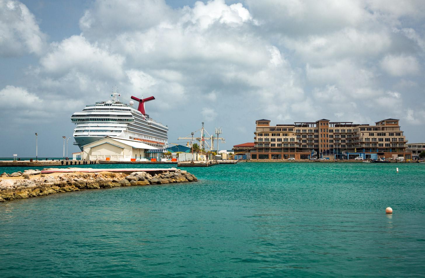 Lekker cruisen naar Aruba.