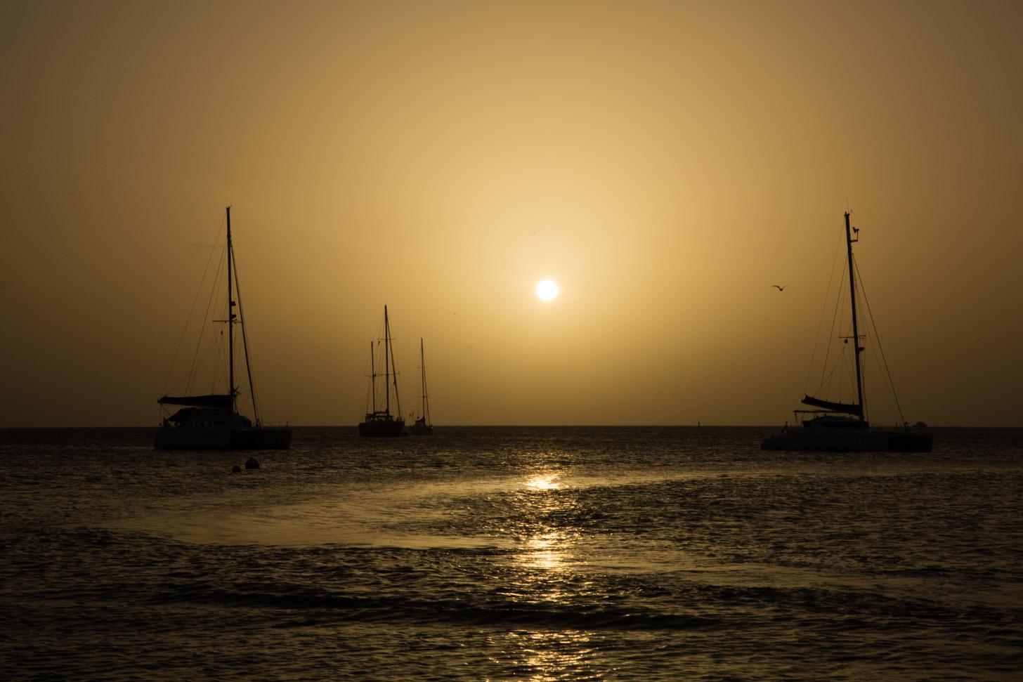 zonsondergang boven de Caribische Zee